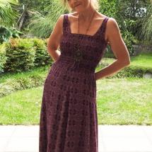 paarse smock jurk voor