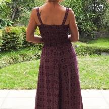 paarse smock jurk achter